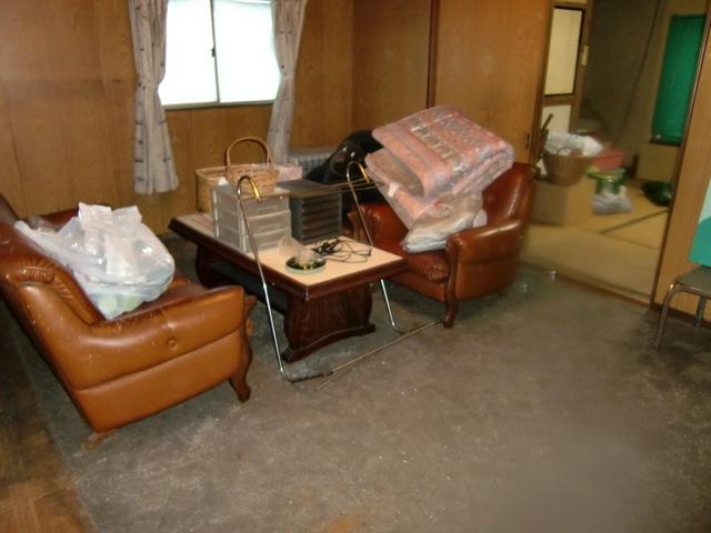 山口市熊野町で冷蔵庫、テレビなど2トントラック1台程度の不用品回収 施工事例紹介
