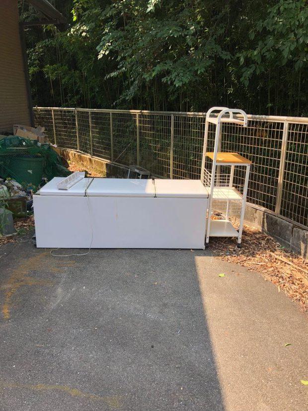 お盆でも対応可能☆冷蔵庫とラックの回収のご依頼をいただきました!