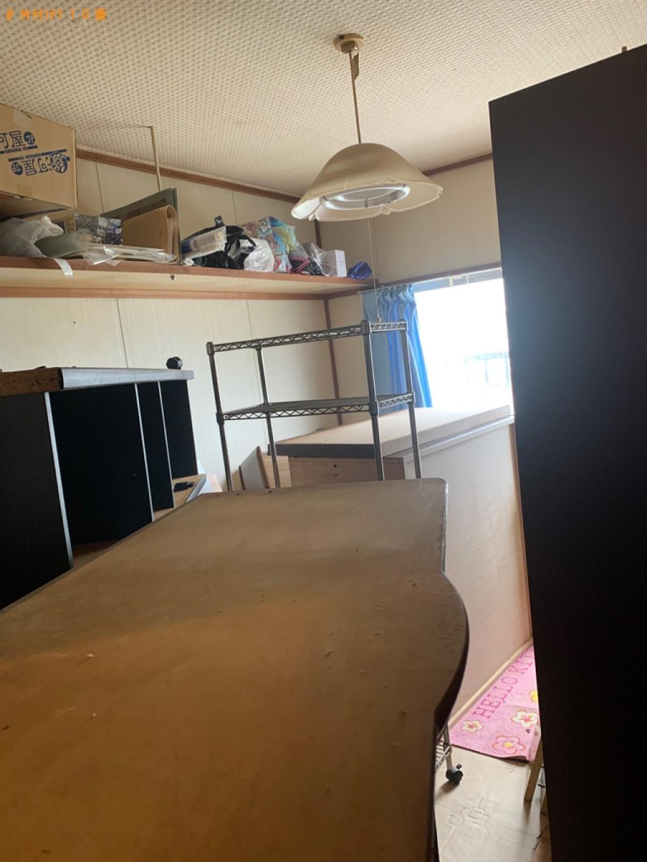【下関市川中本町】本棚、タンス、食器棚、鏡台等の回収・処分ご依頼