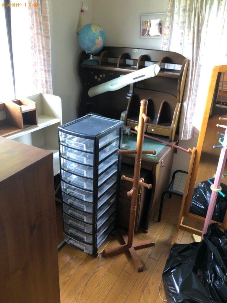 【光市】学習机、ポールハンガー、食器棚等の回収・処分ご依頼