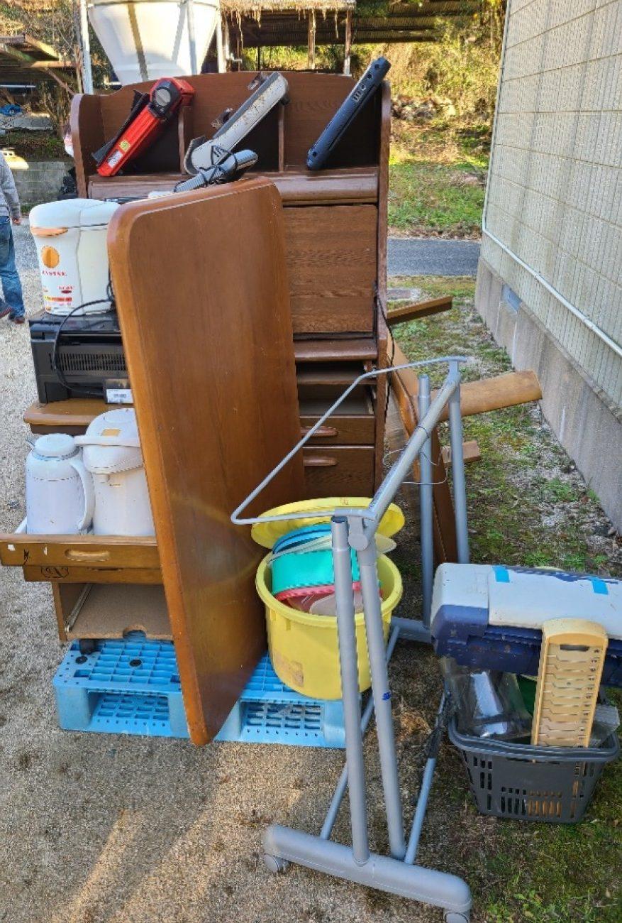 【山口市】学習机、電気スタンド、プラスチック製品等の回収・処分