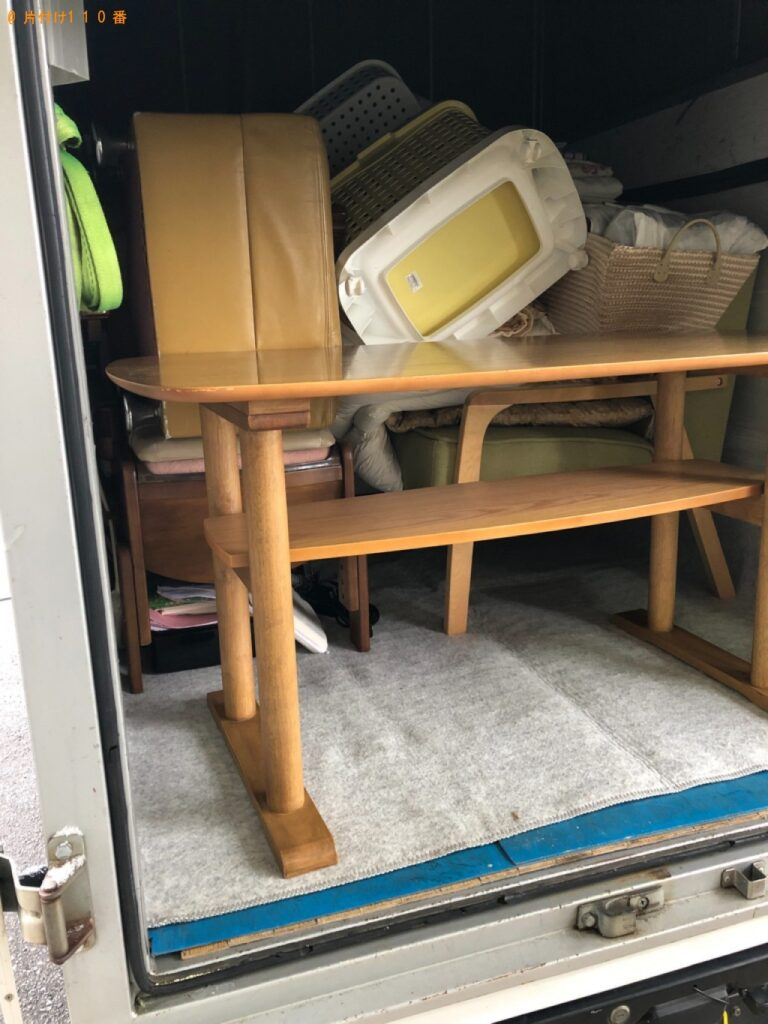【岩国市】テーブル、ソファー、カゴ、椅子、布団等の回収・処分